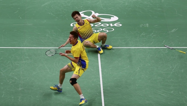 Malaysian badminton doubles pair Goh V Shem-Tan Wee Kiong have clinched a spot in the final of the men's doubles after defeating Chinese pair Chai Biao-Hong Wei during their semi-final match at the Rio Olympics - Reuters pic