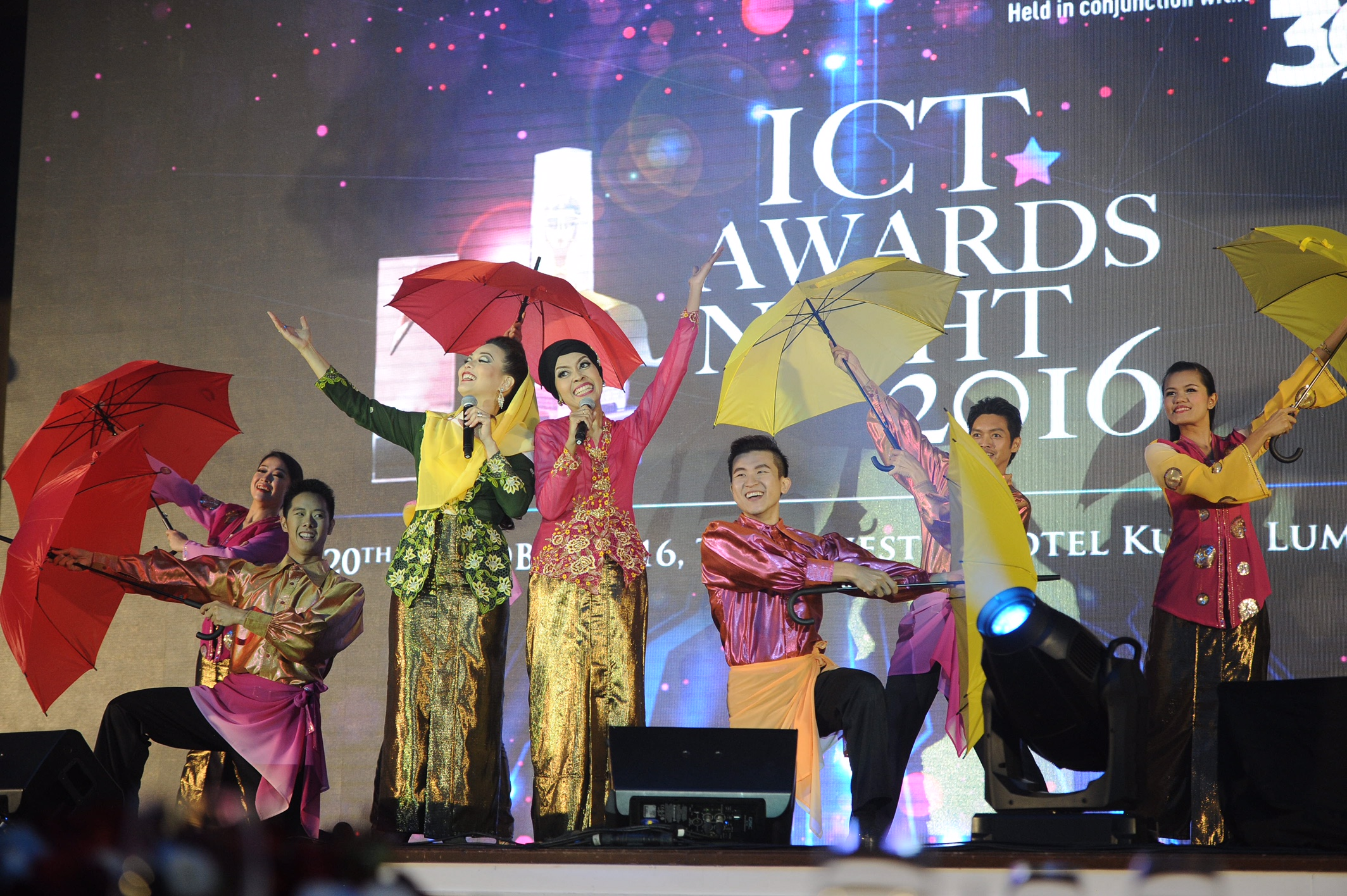 """PIKOM Honours """"Best Of The Best"""" at ICT Industry Gala Awards"""