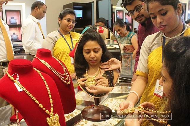 India gold demand tapers off after festival spike