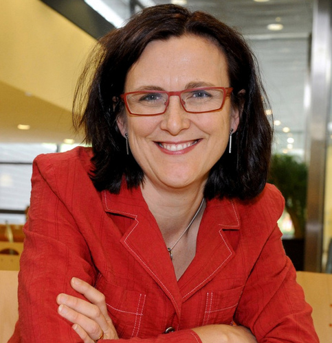 EU trade commissioner vows to fight protectionism alongside China