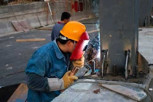 Steel and iron ore futures prices rally
