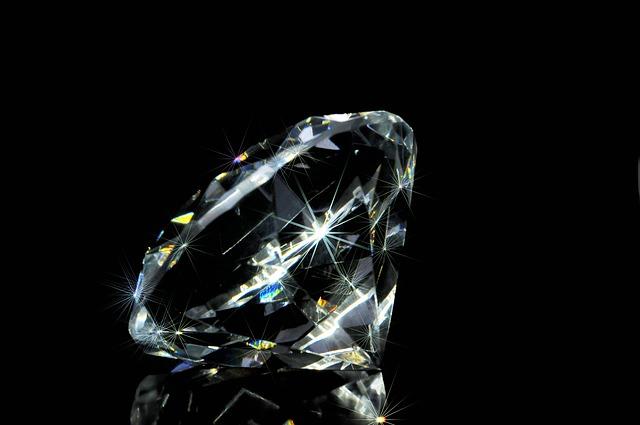 India should become international diamond trading hub: PM