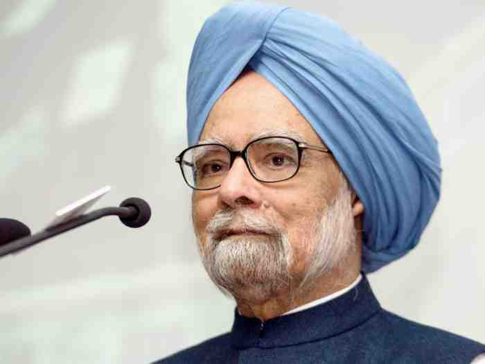 Economy: Public sector investment has collapsed, says Manmohan Singh