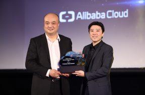 Mr Raymond Ma, Regional head of Alibaba Cloud and Dato' Seri Ivan Teh, CEO of Fusionex