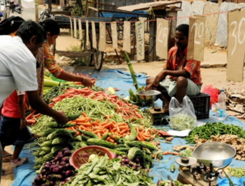 Inflation to hit five-month high in August on rising food costs: Poll