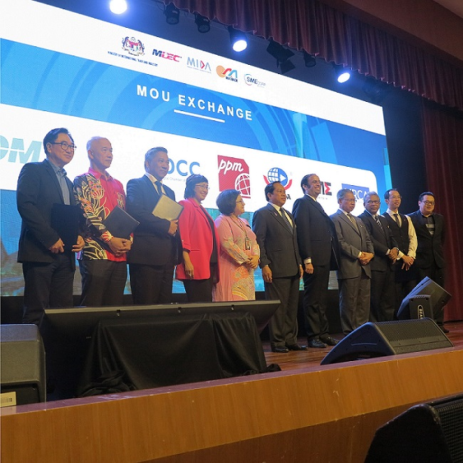 PIKOM signs MoUs with five associations for SMEs to adopt eCommerce
