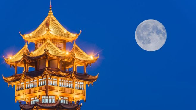 Fake moon: Could China really light up the night sky?