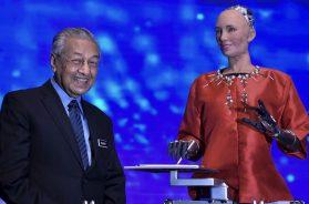 Tun M and Robot Sophia